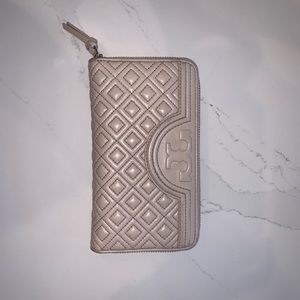 Tory Burch Fleming Continental Wallet- Shell Pink